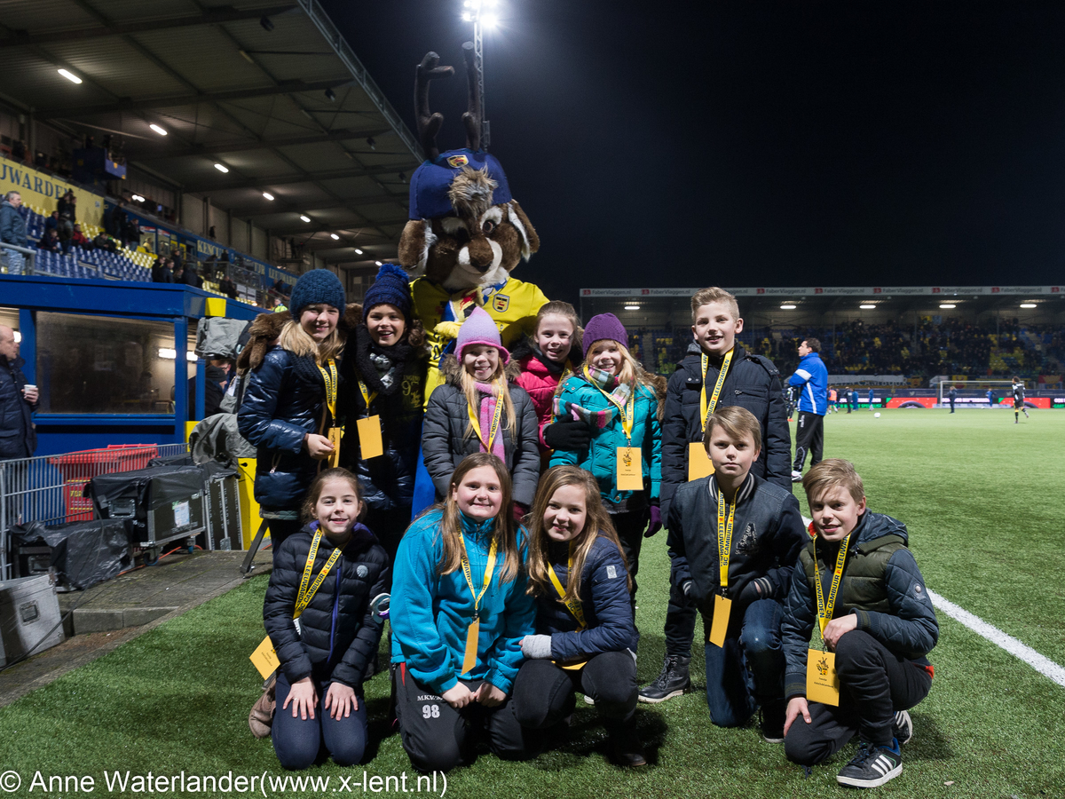 Amber Smid en Romy Hekkenberg, SC Cambuur - Vitesse, 16 januari 2016
